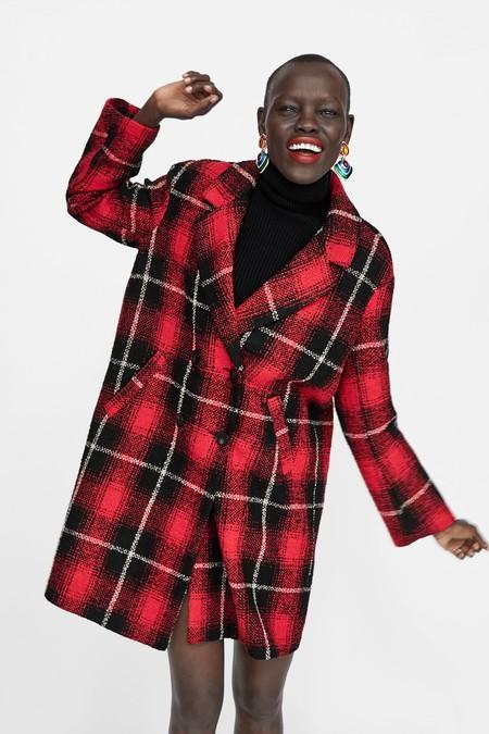 Los mejores abrigos de Zara en rebajas para hacer frente a las bajas temperaturas