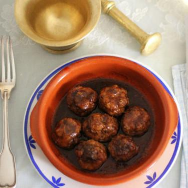 Las recetas de nuestras madres: albóndigas en salsa oscura