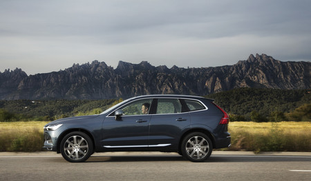Volvo XC60 lateral