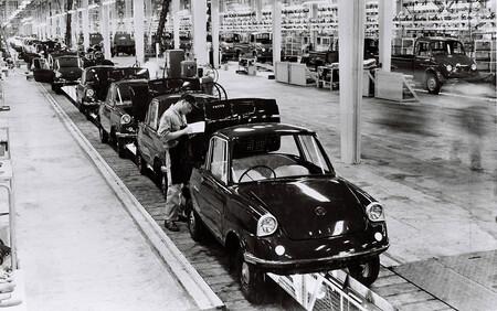 El logo Mazda en los 100 años de historia de la marca