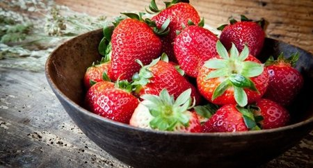El consumo de fresas y arándanos podría mejorar nuestra memoria (al menos si eres mujer)