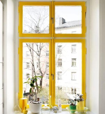 ventana-amarilla.jpg