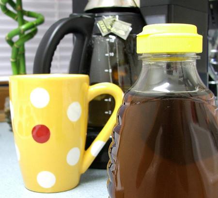 La miel como alternativa terapéutica para la tos nocturna en niños
