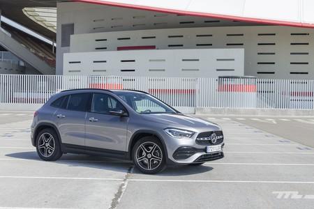 Probamos el Mercedes-Benz GLA: ahora menos Clase A y más GLC, con inteligencia artificial y hasta 421 CV