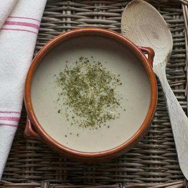 Crema de cebolla con cerveza: la receta de crema más sabrosa que te explicamos para hacer con y sin Thermomix