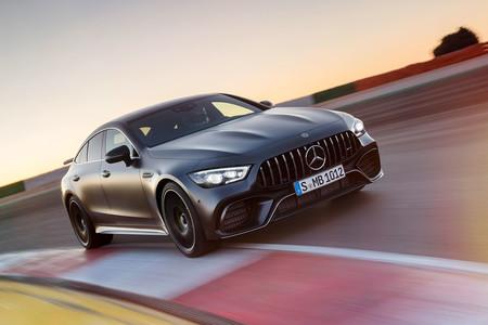 El Mercedes-AMG GT de cuatro puertas es más potente que el Panamera Turbo... y cuesta 3.000 euros menos