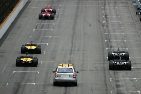 Los equipos de cabeza están obligados por contrato a proporcionar un tercer coche