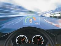 Información proyectada sobre el parabrisas y otras ayudas a la conducción