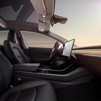 """Algunos clientes del Tesla Model 3 se quejan de recibir un coche con un interior """"barato"""""""