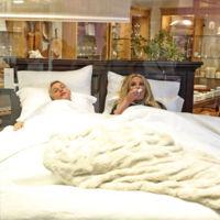 Britney Spears y Ellen liándola muy parda en un centro comercial