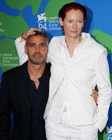 George Clooney es pequeñajo