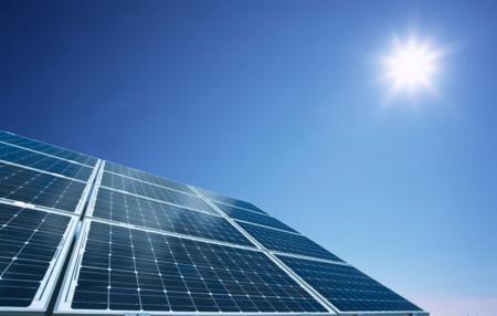California tiene un plan para que más gente use energía renovable: regalar paneles solares