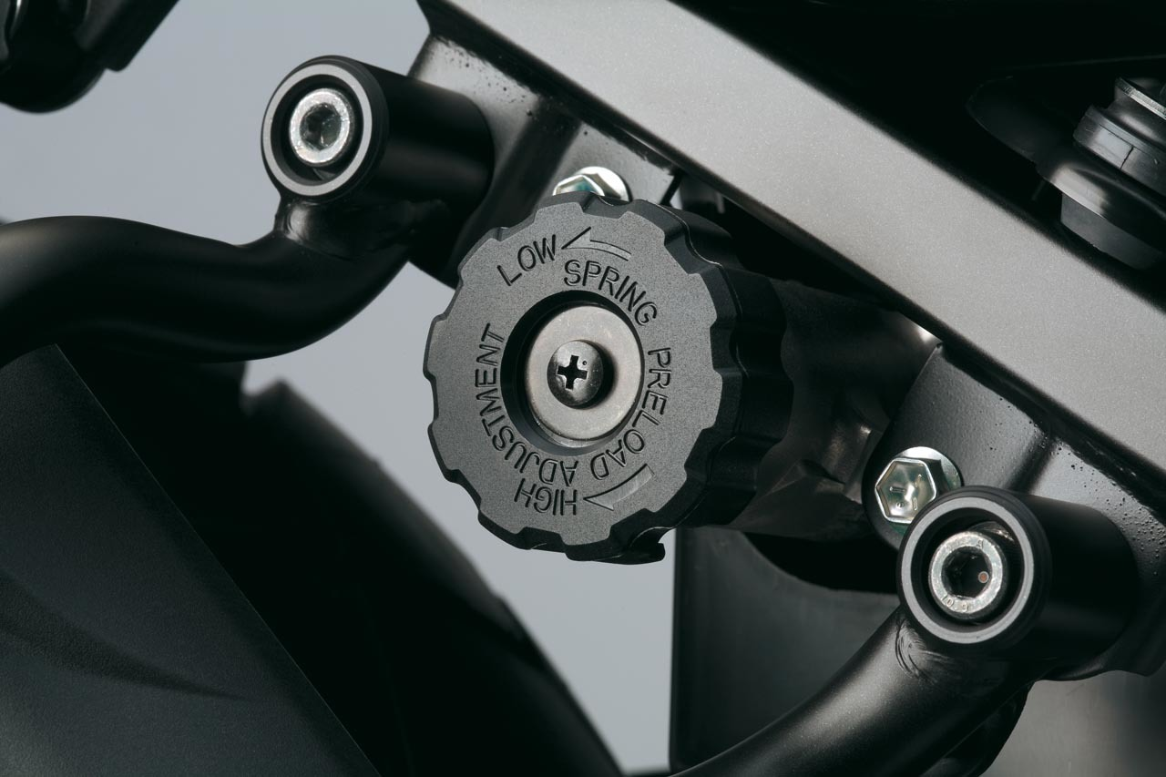 Suzuki V-Strom 650 2012, fotos de detalles y estudio