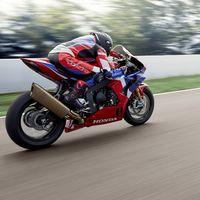 Así de bien se mueve la Honda CBR1000RR-R SP Fireblade de 215 CV, sobre todo en manos de Marc Márquez