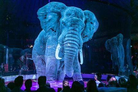 Este circo cambió los animales vivos por hologramas 3D para crear una experiencia completamente nueva y alucinante