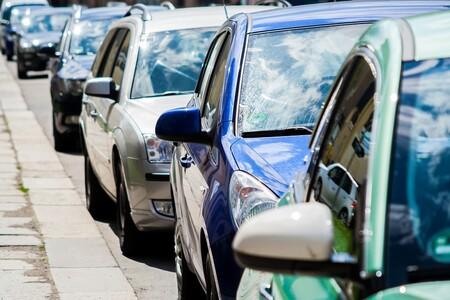 El impuesto al CO₂ que empezará a pagarse en septiembre en Cataluña y que afectará a 2,3 millones de coches