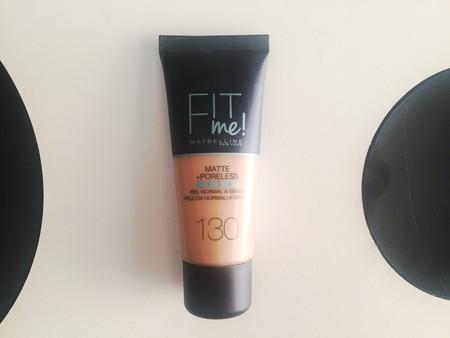 Probamos la base de maquillaje Fit me! de Maybelline, con un acabado mate y que afina los poros