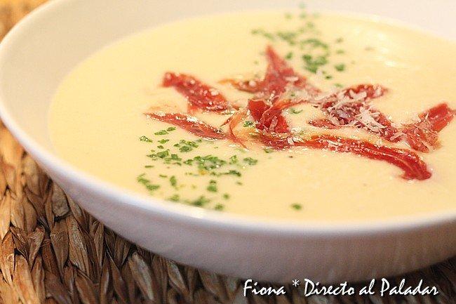 Crema de coliflor al parmesano