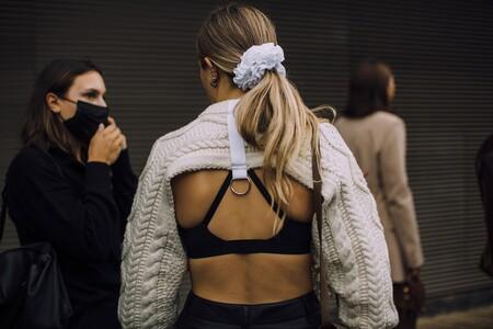 Las calles de Londres se llenan de accesorios para el pelo: estos son los que triunfarán este otoño según el street style