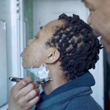 Gillette muestra por primera vez a un hombre transgénero en una campaña de sus productos de rasurado