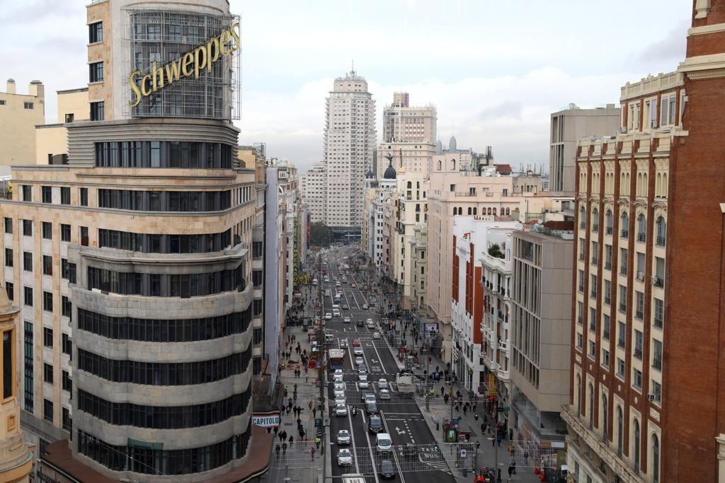La Gran Vía de Madrid estrena imagen y apetece más pasear por ella