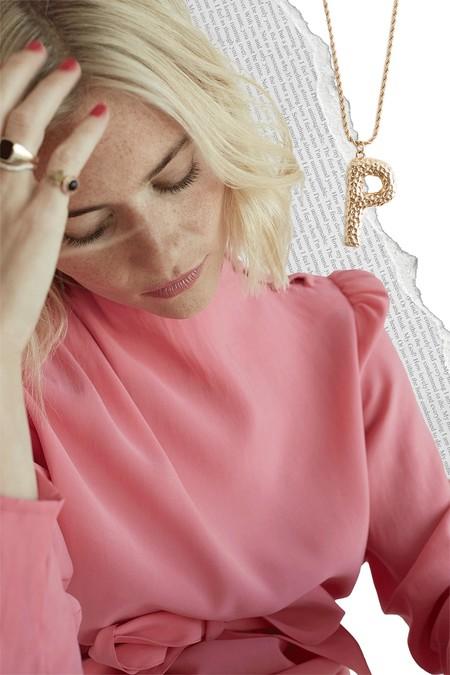 Pandora Sykes protagoniza la nueva campaña de Uterqüe y nos muestra el lado más cool de la marca