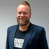 """""""Creemos que ahora es el momento adecuado para lanzar un teléfono asequible, especialmente viendo el crecimiento en Europa"""", Tuomas Lamper, jefe de estrategia de OnePlus en Europa"""