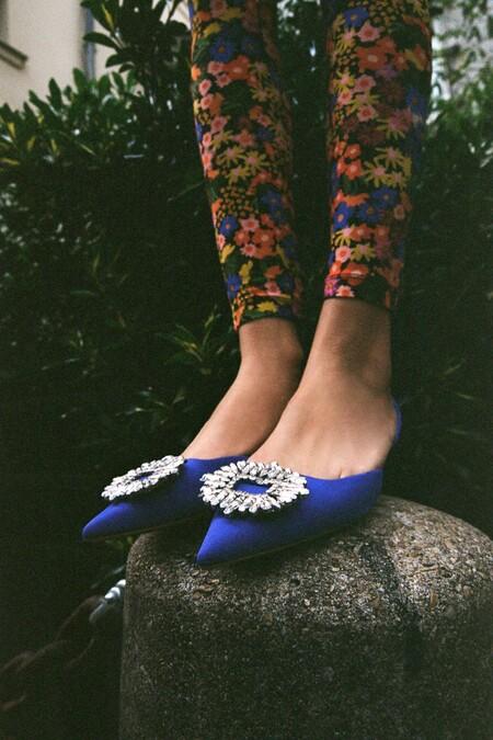 """Zara ha sacado en su nueva colección los zapatos joya """"obsesión"""" de Carrie Bradshaw y vienen dispuestos a agotarse"""