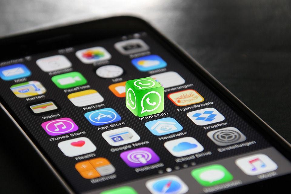 WhatsApp no está de vacaciones, el peligro de comunicarse con los clientes con el teléfono personal