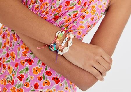 Así son las pulseras y brazaletes más bonitos de Pull&Bear que triunfan esta temporada