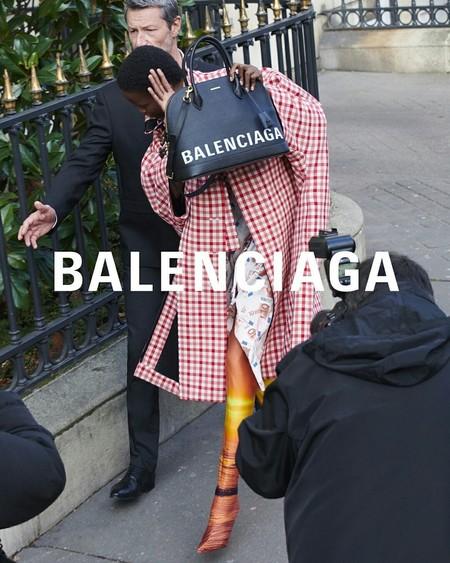 Clonados y pillados: el it bag de Balenciaga se encuentra en Bershka