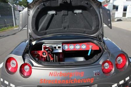 Nissan GT-R para apagar fuegos en Nürburgring