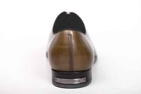 Cristiano Ronaldo lleva su estilo, y nombre, al mundo del calzado masculino