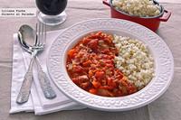 Pavo con tomate guisado en cocotte al horno. Receta
