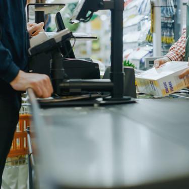 Mercadona, Carrefour y Eroski dan preferencia en sus supermercados al personal sanitario durante el estado de alarma