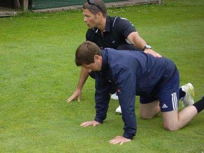 Utilizar al compañero de entrenamiento como carga en determinados ejercicios