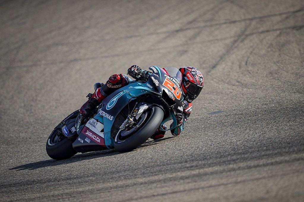 Fabio Quartararo lidera el festival de Yamaha en Buriram pero Marc Márquez amenaza