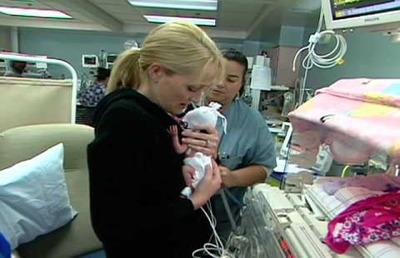 La extracción manual de leche ayuda a los prematuros