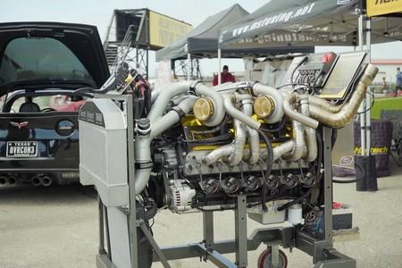 Cuando un motor 9.7 V12 de 700 CV no es suficiente, alguien añade cuatro turbos y suena a puro miedo