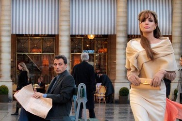 Fichajaco de primavera: Angelina Jolie nueva imagen de Louis Vuitton