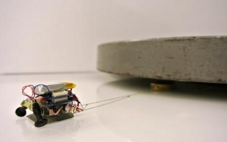 Estos mini-robots forzudos escalan paredes mientras transportan 100 veces su peso