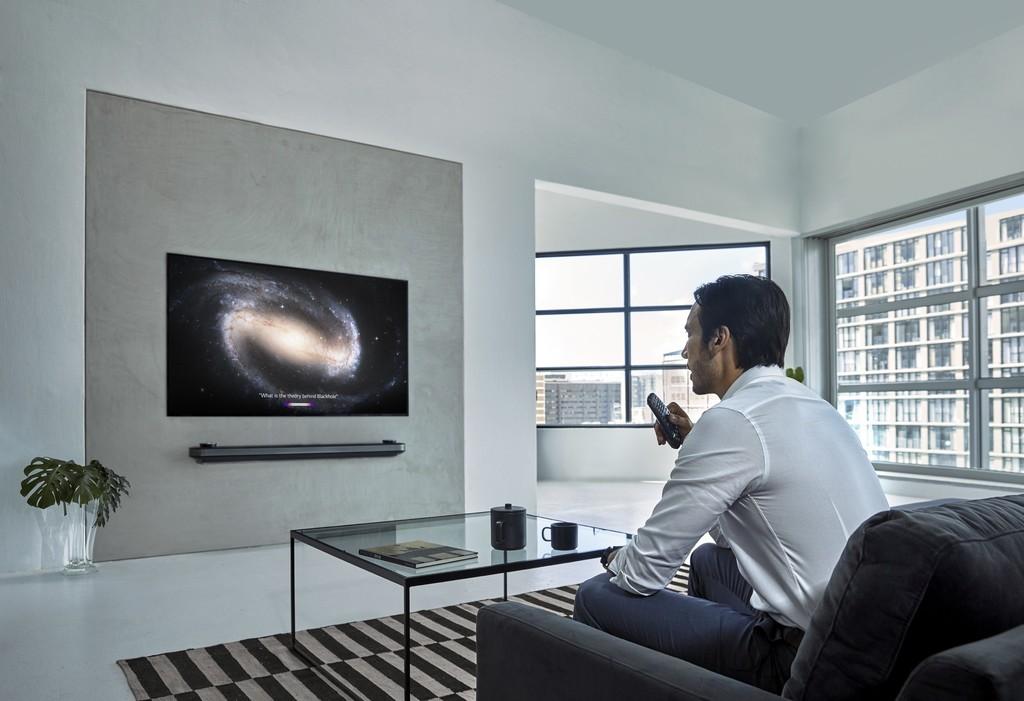 Nuevos televisores OLED 8K de LG con HFR: el mando del televisor lo ha cogido el Deep Learning