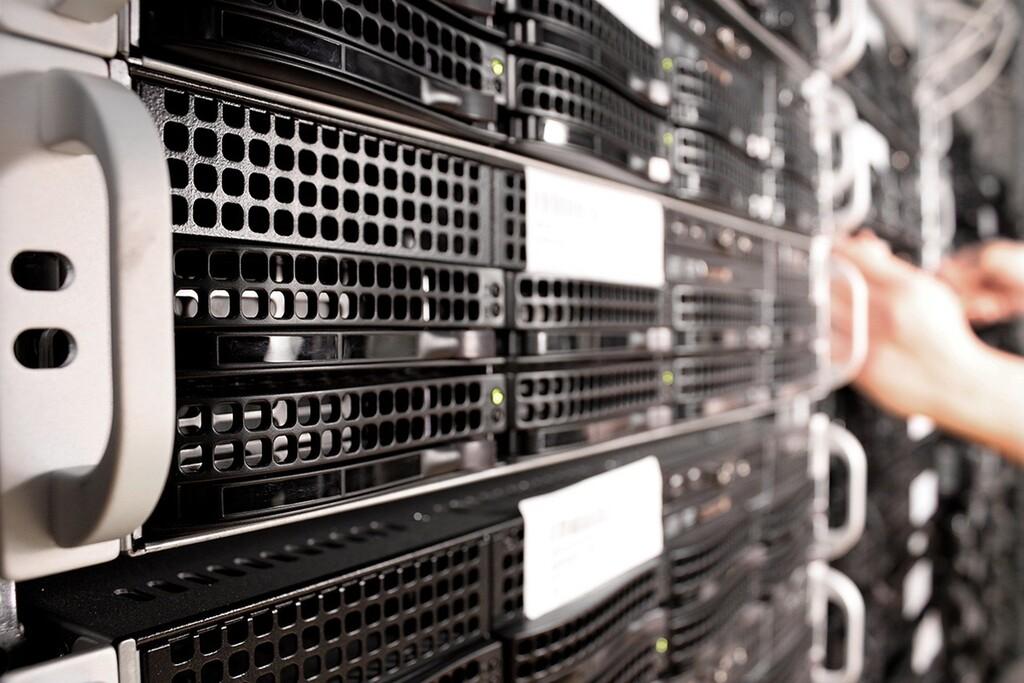 Hackers chinos explotan dispositivos sin parchear para atacar a agencias de EE. UU., según la agencia de ciberseguridad del país