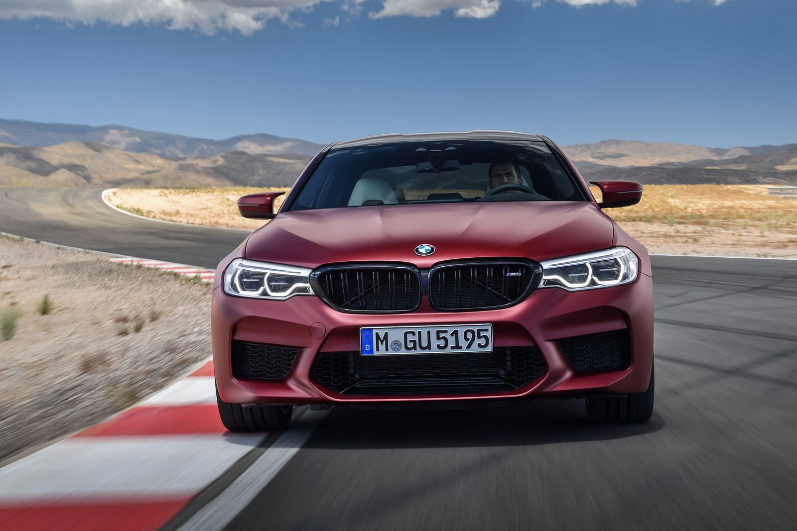 Foto de BMW M5 2018 (30/57)