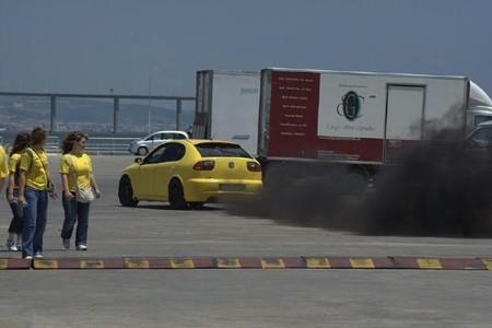 Partículas en suspensión en el escape de un coche diésel