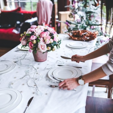 7 sillas plegables que te ayudarán a que todos tengan su sitio en la mesa estas Navidades