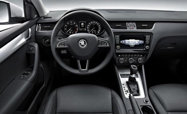 Škoda Octavia 2013 interior negro