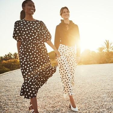 Nueve vestidos de Cortefiel con los que mamá estará cómoda, fresca y elegante para celebrar este Día de las madres