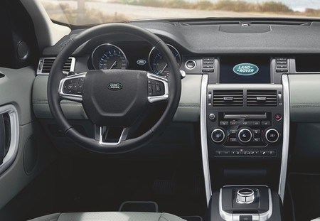 landrover-discovery-sport-2015-650-05-b.jpg