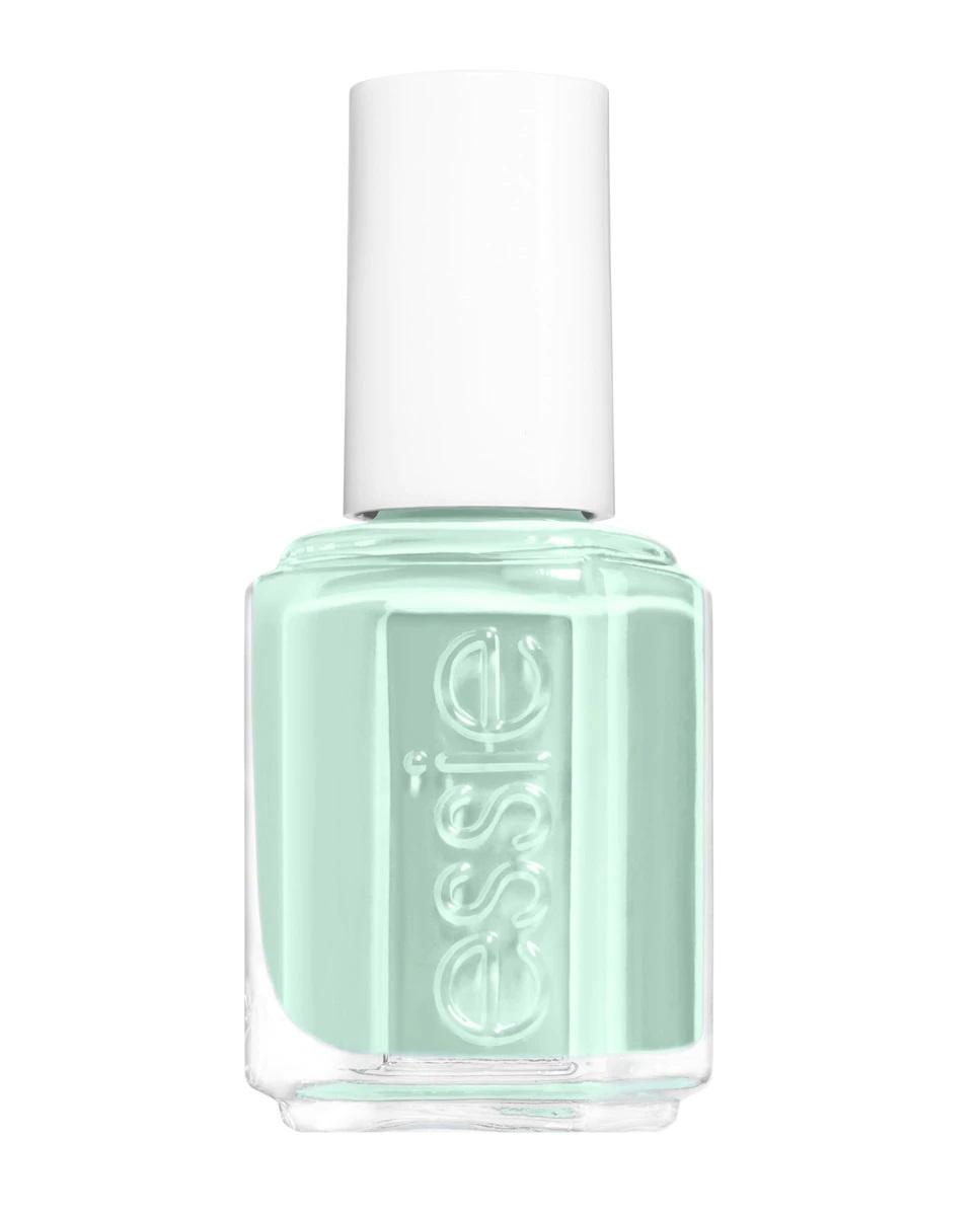 Laca de uñas en verde mint de Essie